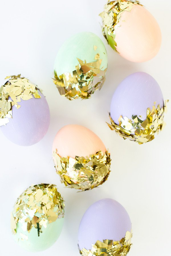 DIY-CONFETTI-DIPPED-EASTER-EGGS